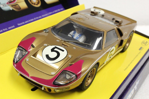 C2465A Scalextric Sport Ford GT MKII Le Mans 1966 Gold, #5 1:32 Slot Car