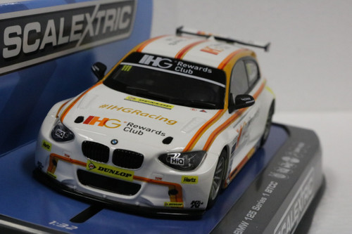 C3784 Scalextric BTCC BMW 125 - Andy Priaulx 2015, #111 1:32 Slot Car