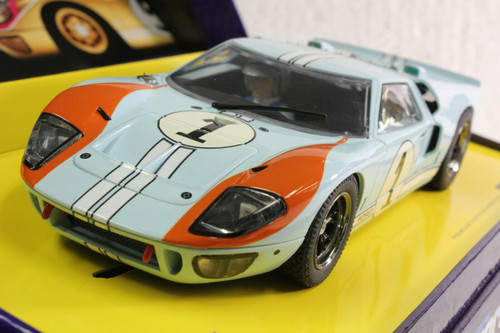 C2464A Scalextric Sport Ford GT MKII Le Mans 1966 Gulf, #1 1:32 Slot Car