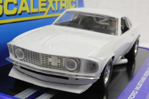 SEC3579 Carrera Digital 132 1969 Ford Mustang Boss 302 Plain White 1:32 Slot Car