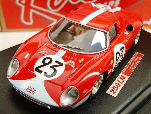 RCR19 Racer Ferrari 250 LM Maranello Concessionaires Le mans 24H 1965 L. Bianchi/Salmon 1:32 Slot Car