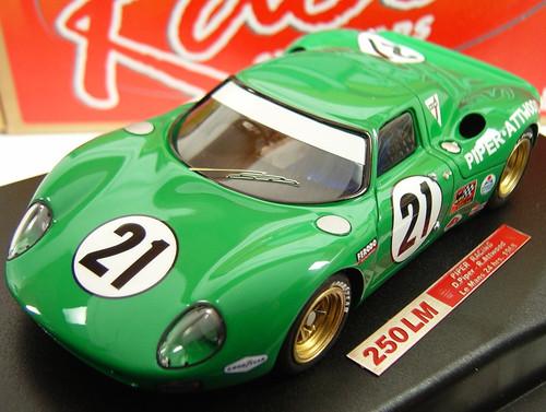RCR20 Racer Ferrari 250 LM Piper Racing D. Piper/R. Attwood Le Mans 24H 1968 1:32 Slot Car