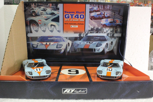 TEAM05/96016 Fly Ford GT40 Team Gulf GT40 Twin-Pack 1:32 Slot Car