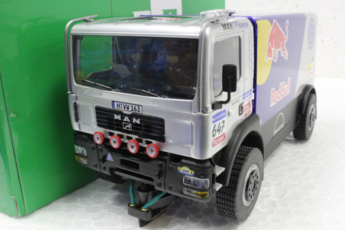 50407 Avant Slot Man Dakar Truck Red Bull Racing Team #647 1:32 Slot Car