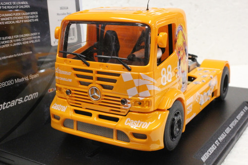 202311A Fly Mercedes Benz Truck St Pauli Girl Special Edition Anime Yellow #88, 1:32 Slot Car