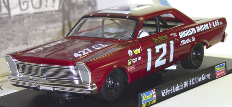 4894 Revell/Monogram 1965 Ford NASCAR Dan Gurney Ltd. Ed. 1:32 Slot Car