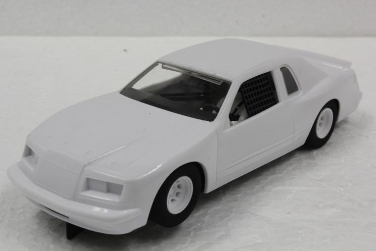 C4077 Scalextric Ford Thunderbird White 1:32 Slot Car *DPR*