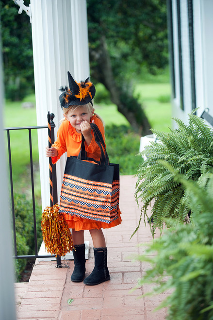 This Halloween Tote is simply adorable and perfect for kids of all ages!