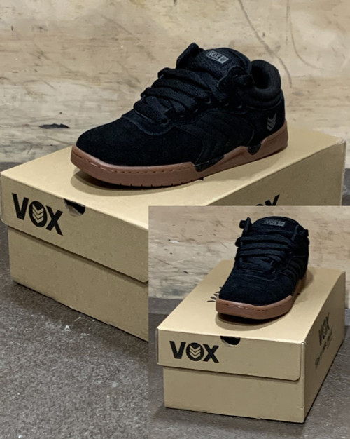 This is a high quality VOX Silo Model High Top in black with a vulcanized Gum Sole. This skate shoe is in Youth Size 13. Its Vulcanized and Gum for maximize grip on your board. Don't miss out on this clearance price. *****There might be slight discoloration from shoes that were on display in the shop!*****