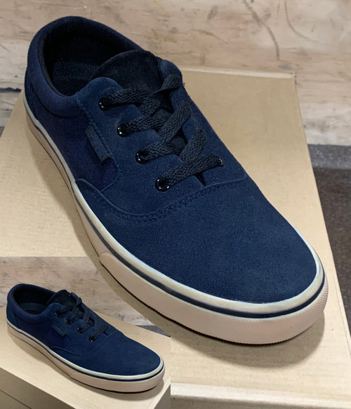 This is a high quality VOX Kruzer Team Model in the NAVY/GUM colorway. This is a Charmcity Signature model featuring our 20 year anniversary logo on the tongue. It features a Vulcanized GUM Sole for Maximum board feel. Its in size 8.  Don't miss out on this clearance price. *****There might be slight discoloration from shoes that were on display in the shop!*****