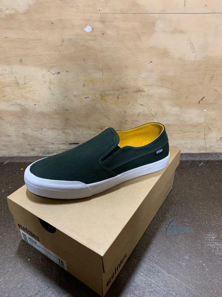 The Langston is a minimal slip-on with a low profile and a fully deconstructed upper. This slim design features a die cut EVA insole built on a vulcanized outsole with raised foxing. The egg crate midsole offers added cushion while the elastic goring provides easy slip-on and off access. The upper features a one-piece toe vamp overlay with a low toe box, keeping the vamp closer to your foot.