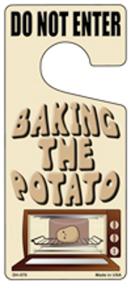 Baking The Potato Novelty Metal Door Hanger DH-070