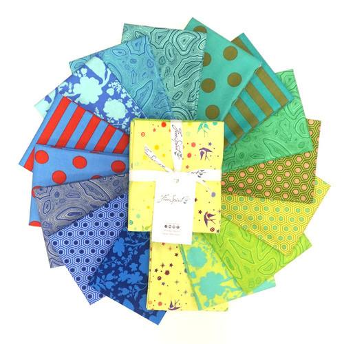 Pre-Order: True Colors Starling Fat Quarter Bundle by Tula Pink