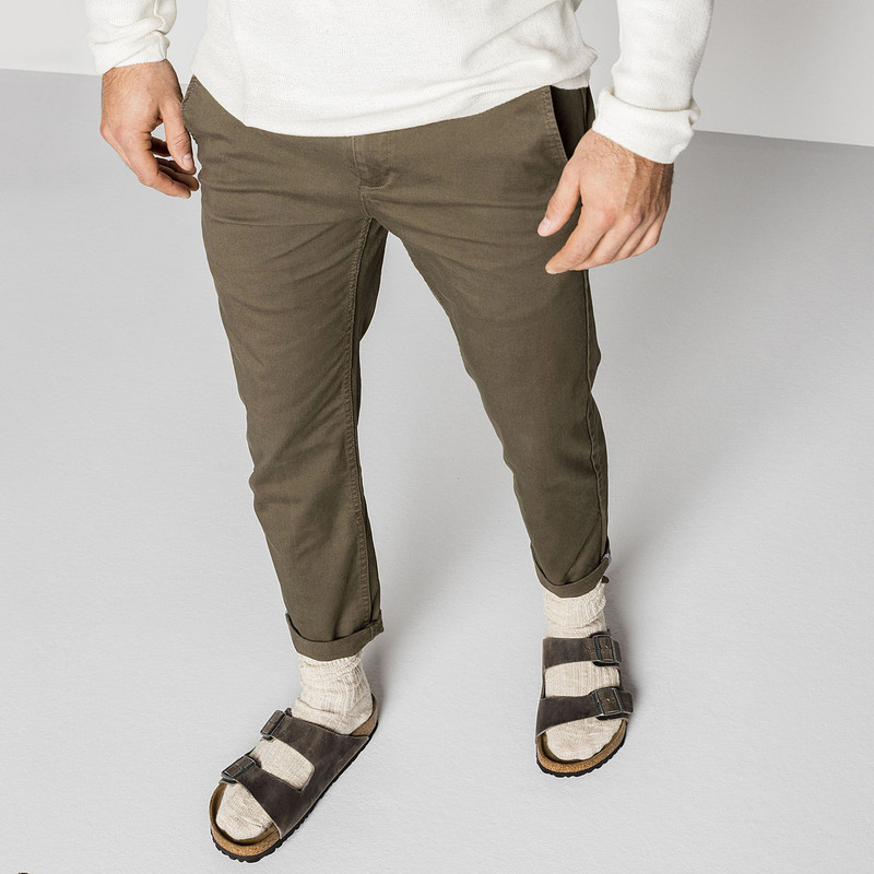 6de0f8689e2 ... Birkenstock Arizona Soft Footbed - Iron Oiled Leather (Regular Width) -  552801 - Lifestyle