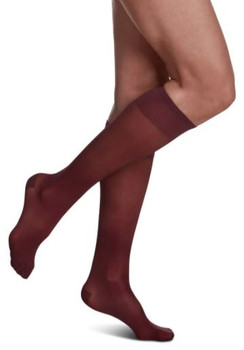 Sigvaris Women's SHEER FASHION 120 Closed Toe Calf Compression Hose 15-20mmHg - Mulberry | SIZE A