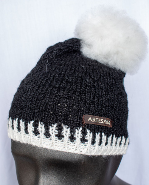 Artisania Womens Fur Pom Hat