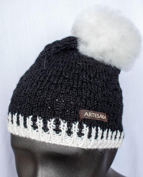 Artisania Womens Fur Pom Hat