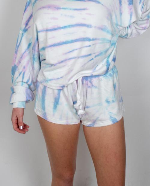 VINTAGE HAVANA Model Basic Short in Tulum Lavender Tie Dye