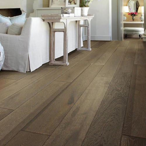 Shaw Grayson Oak 7.48-in Bell Tower Oak Engineered Hardwood Flooring 31.09-sq ft