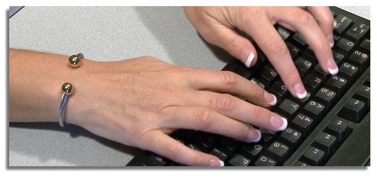 bracelet-hand-computer.jpg