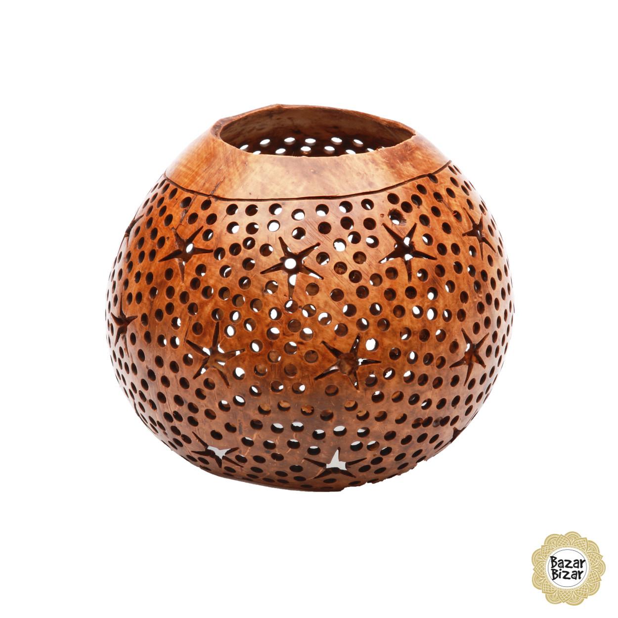 Windlicht van een bewerkte kokosnoot, gepolierd en opgeboende bruine kleur.