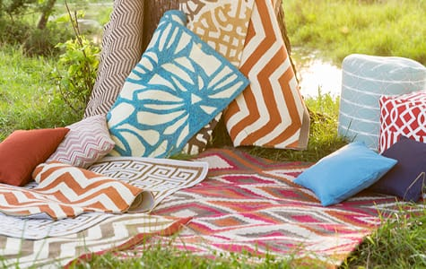 Outdoor Decorative Rugs & Throw Pillows