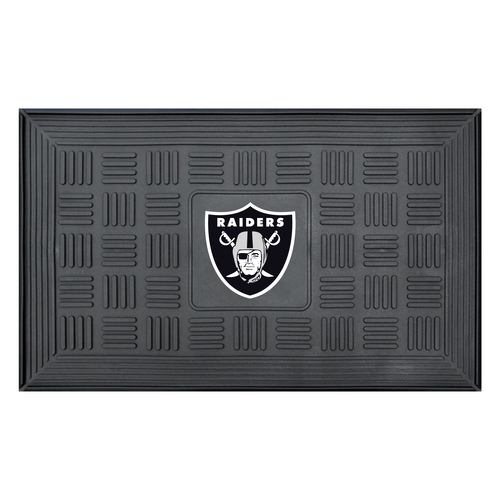 """19.5"""" x 31.25"""" Black and White NFL Oakland Raiders 3-D Team Medallion Doormat - IMAGE 1"""