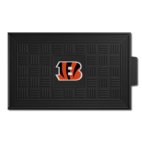 "19.5"" x 31.25"" Black and Orange NFL Cincinnati Bengals Striped B 3-D Team Medallion Doormat - IMAGE 1"