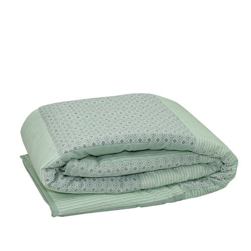 """Green and Red Striped Quatrefoil Quilted Throw Blanket 55.5"""" x 78.75"""" - IMAGE 1"""