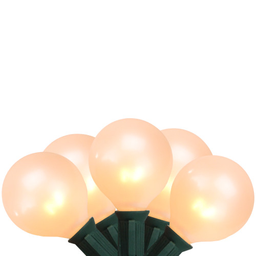 15ct Pearl White G50 Globe Christmas Lights - 13.75 ft Green Wire - IMAGE 1
