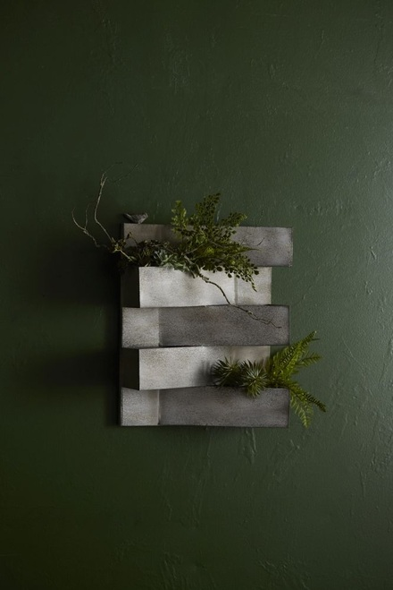 "21"" Gray Triangled Geometric Outdoor Christmas Bird Planter - IMAGE 1"