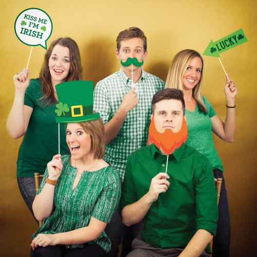 """Club Pack of 60 Green and Orange St. Patrick's Day photo booth props 15"""" - IMAGE 1"""