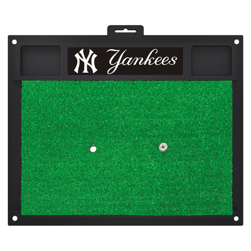 "20"" x 17"" Black and Green MLB New York Yankees Golf Hitting Mat - IMAGE 1"
