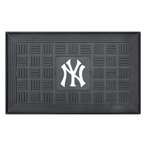 "19.5"" x 31.25"" Black and White MLB New York Yankees Team Medallion Outdoor Door Mat - IMAGE 1"