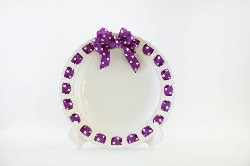 """12"""" Round White Ribbon Plate with Purple and White Dotted Ribbon - IMAGE 1"""