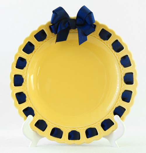 """12"""" Round Yellow Ceramic Ribbon Plate with Navy Blue Ribbon - IMAGE 1"""