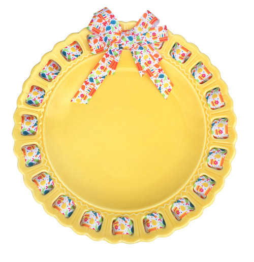 "12"" Round Yellow Ribbon Plate with Birthday Ribbon - IMAGE 1"