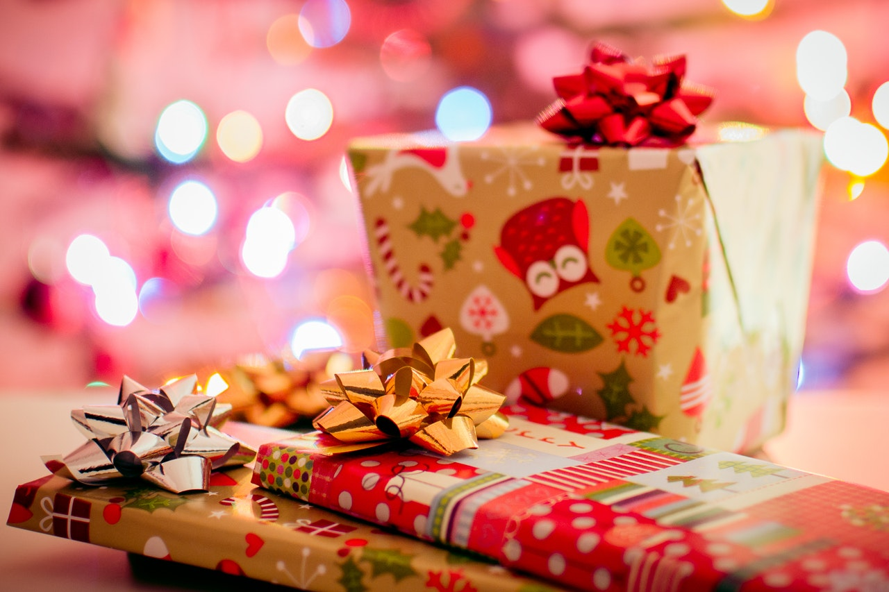 6 Gift Exchange Activities For Your Holiday Party Christmas Central