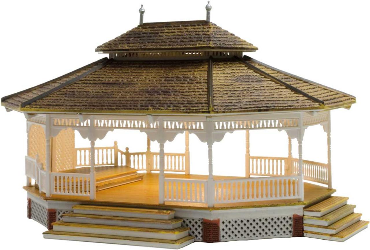 "Grand Gazebo - Built-&-Ready Landmark Structures(R) -- Assembled - 6-5/16 x 5-9/32"" 16 x 13.4cm - Scale: HO"