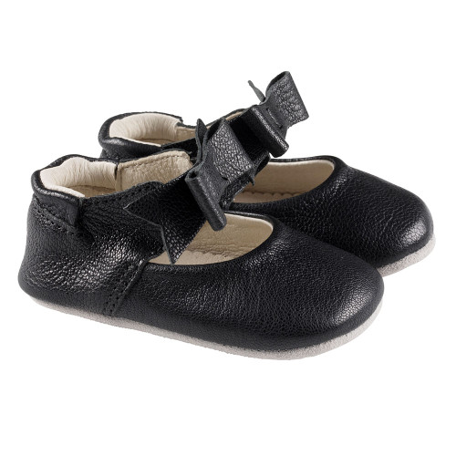 Robeez Black Sofia First Kicks - Angle