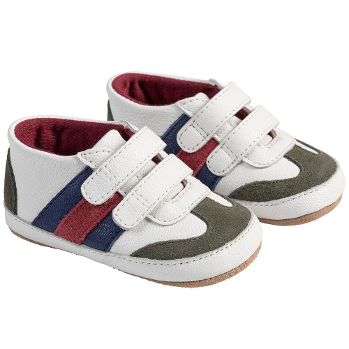 Angle - Robeez White Jayden First Kicks