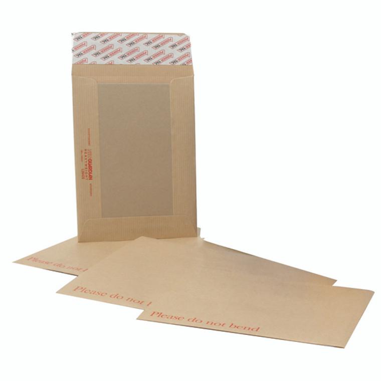 JDH26326 New Guardian C4 Envelopes Board Back Manilla Pack 125 H26326