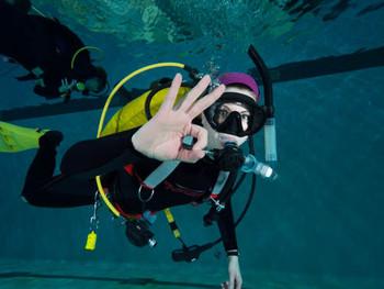 Pool Fun Dives