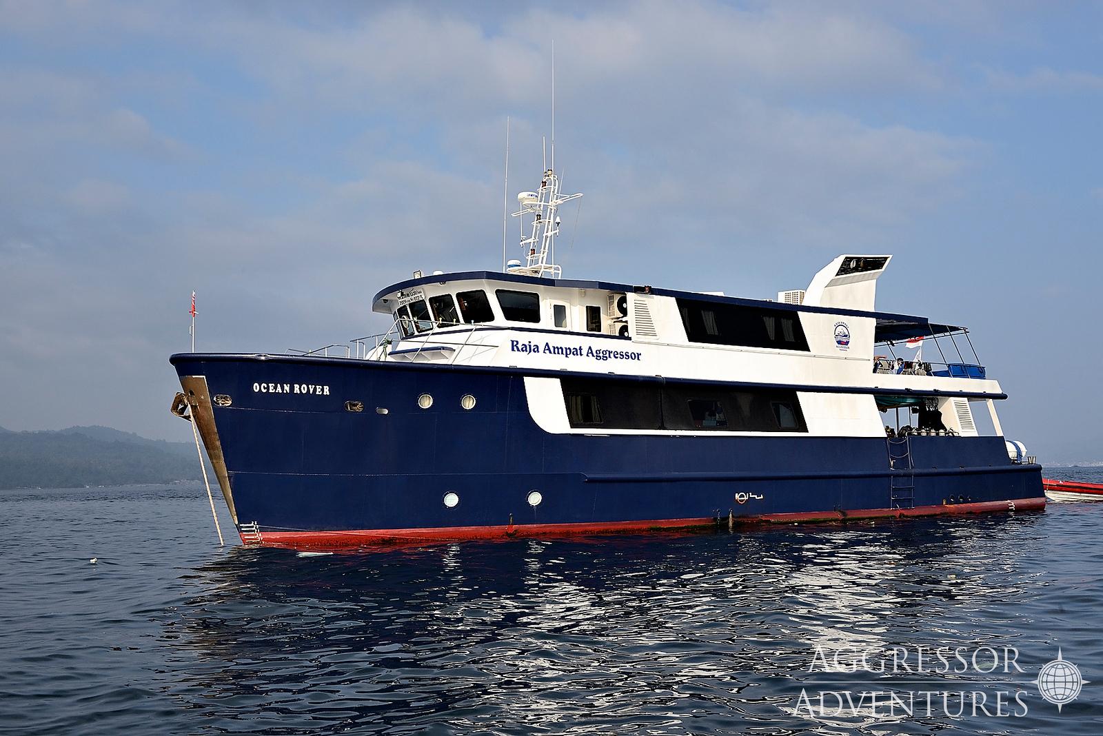 raja-yacht35-x3.jpg