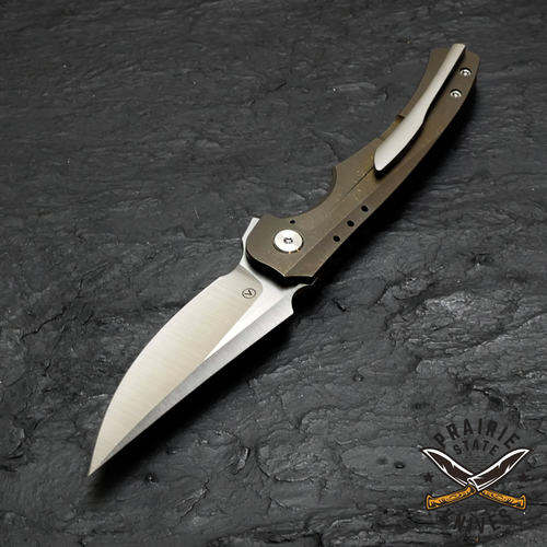 M390 powdered steel blade from Damasteel provides high wear and corrosion resistance