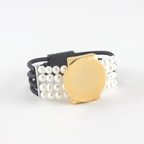 Anne-Marie Chagnon: bracelet Maria gold/pearls