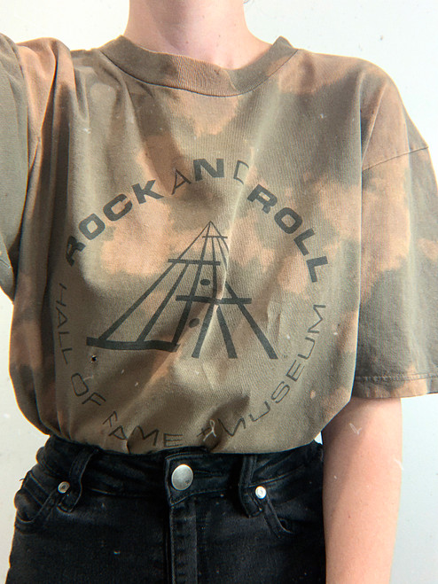 ROCK AND ROLL HALL OF FAME TEE