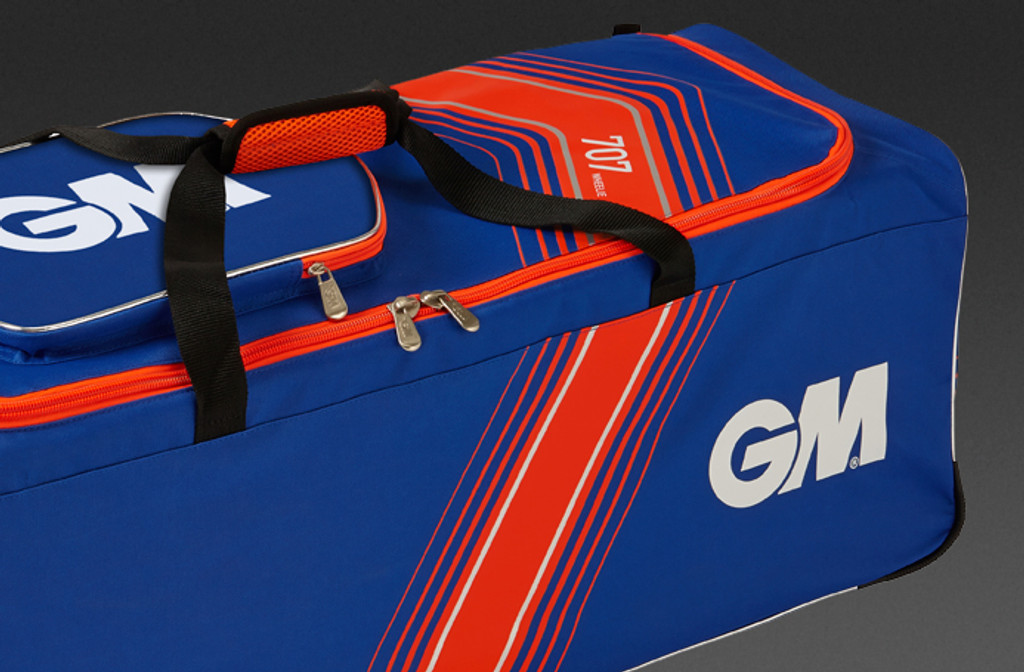 GM 707 Wheel Cricket Bag