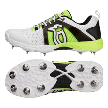 Kookaburra 2000 spikes shoes