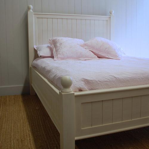 Farmhouse Beadboard Bed